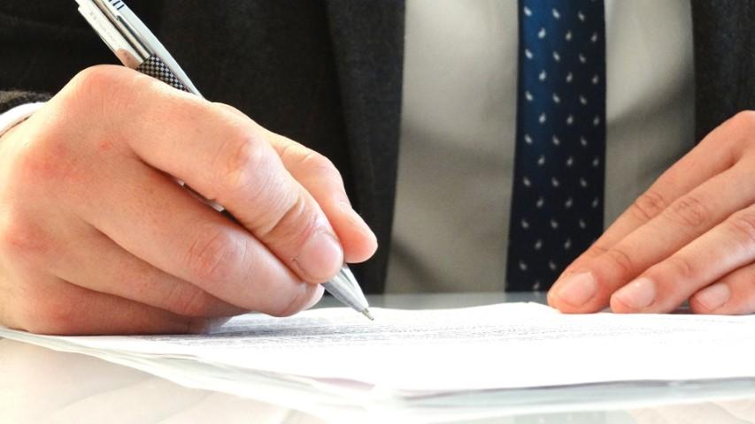 שכר טרחה עורך דין מכירת דירה - במה זה תלוי?