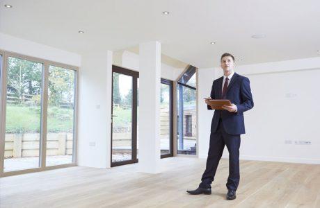 רוכשים דירה, איך תזהו מוקשים בעסקה ומתי צריך שמאות מוקדמת?